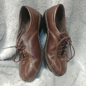 Clarks Leather Comfort Walking Shoes
